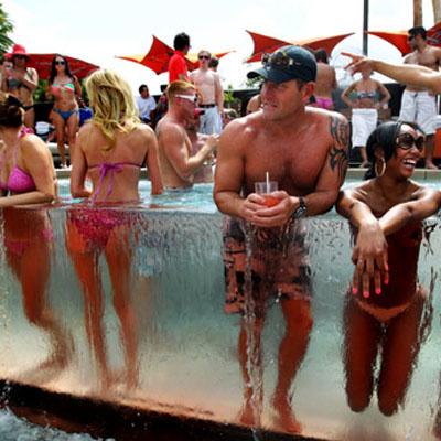 Daylight Beach Club Las Vegas Pool Parties Hotshotvegas Bare Dayclubs The Walford Group